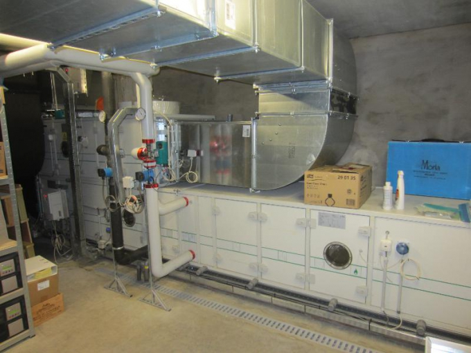 Ventilation, filtration, air conditioning of an operating room