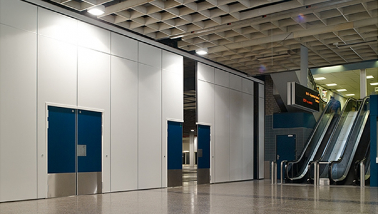 Acoustic sliding partition with double door