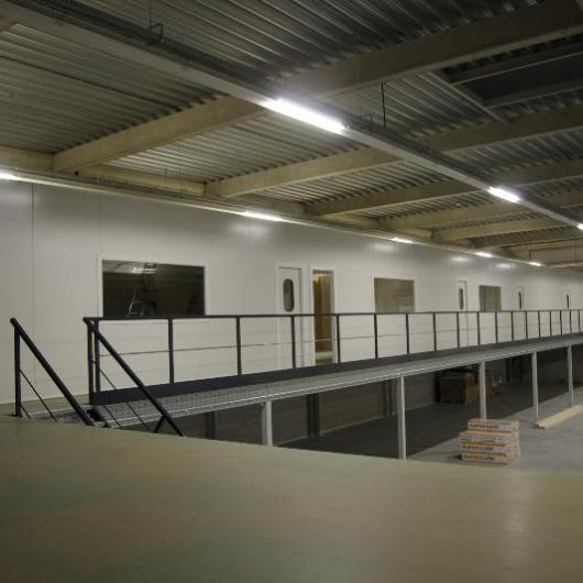 Platform with sandwich panels offices