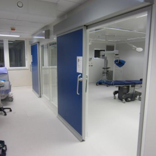 Sliding door operation room