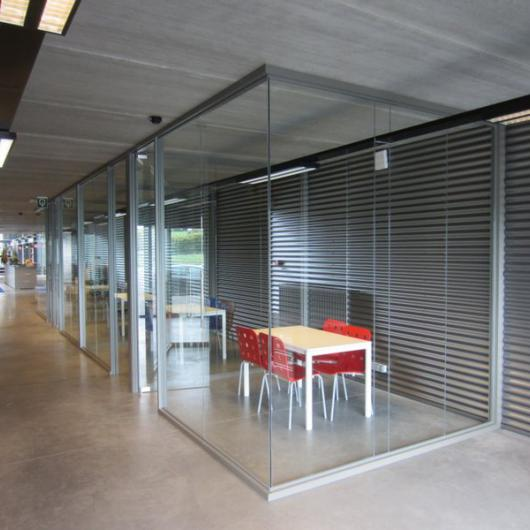 "Meeting room ""bubble"" single glazing"