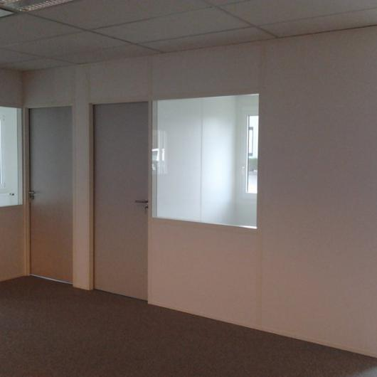 Removable solid partition with glazing